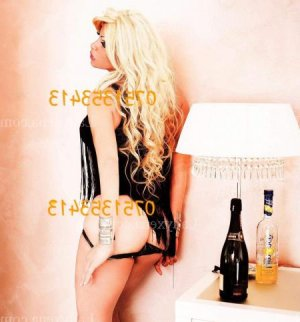 Ombelyne escort massage tantrique