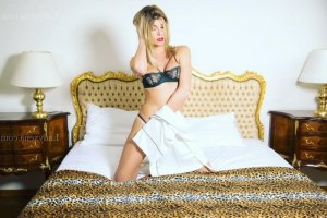 Benie escorte girl ladyxena massage