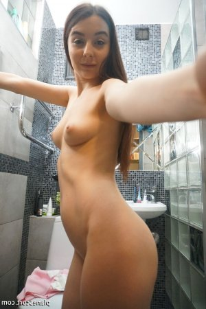 Catline lovesita massage tantrique