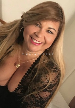 Vanyna massage érotique escorte girl 6annonce