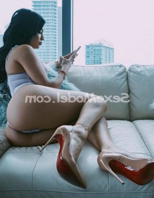 Kelly-ann escort girl ladyxena à Baud
